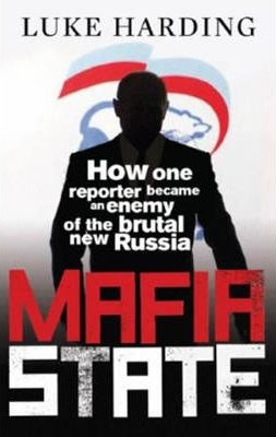 Mafia State: How one reporter became an enemy of the brutal new Russia. Bilde: Akademika.no